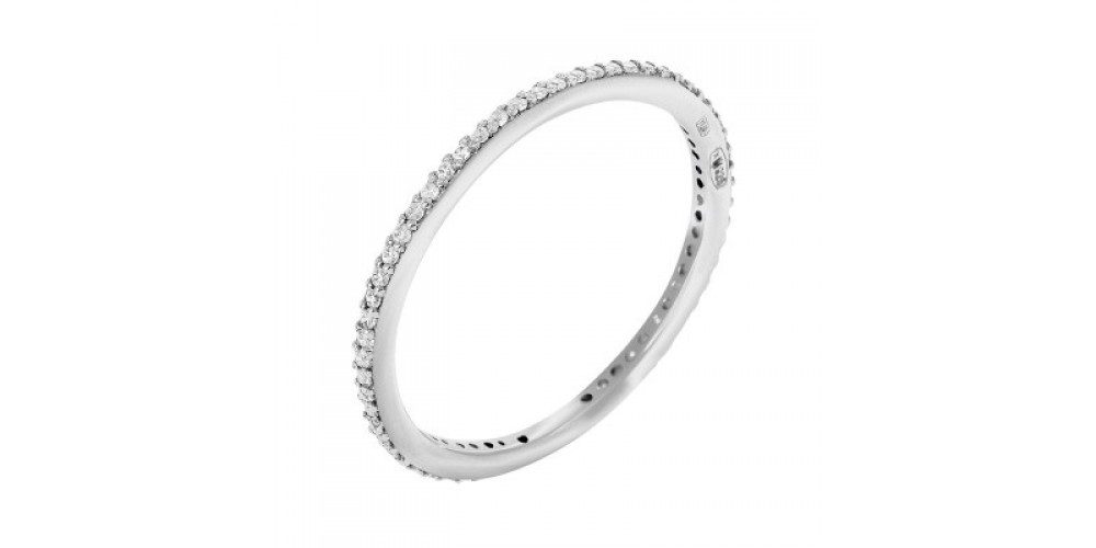 Срібна каблучка-доріжка: переваги моделі