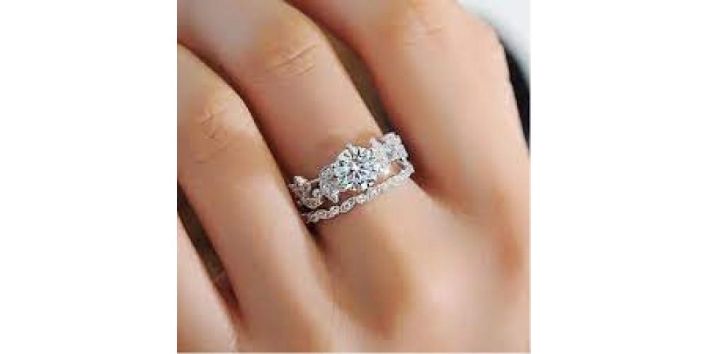 Срібний перстень - кращий кандидат на роль сімейної реліквії